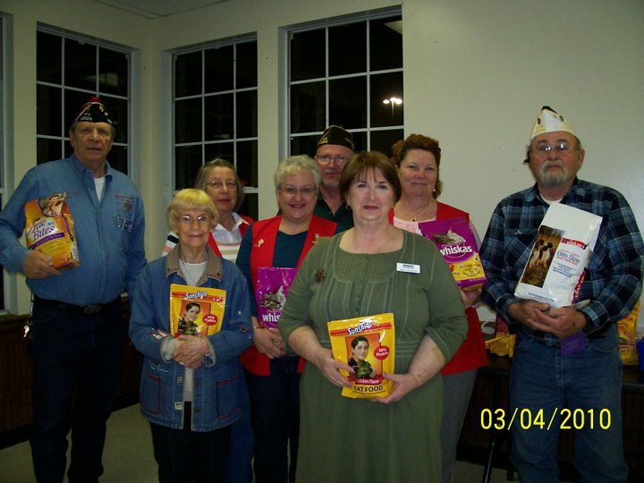 Click on Photo to view Gallery - Members of the Post donating to Meals on Wheels